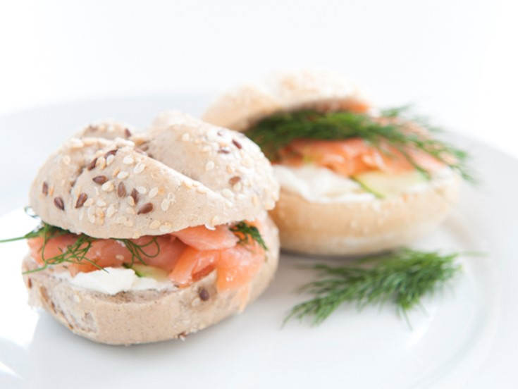 Smoked salmon, cream cheese & dill rolls